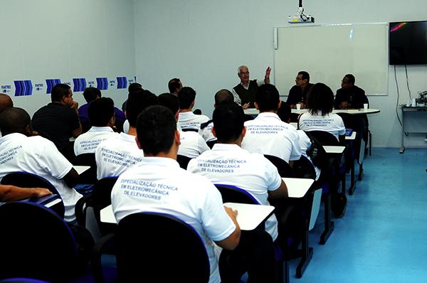 Inaugurado laboratório do curso de especialização em Manutenção de Elevadores