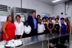 Secretário Leonardo Rodrigues visita unidade da Faetec em Bangu